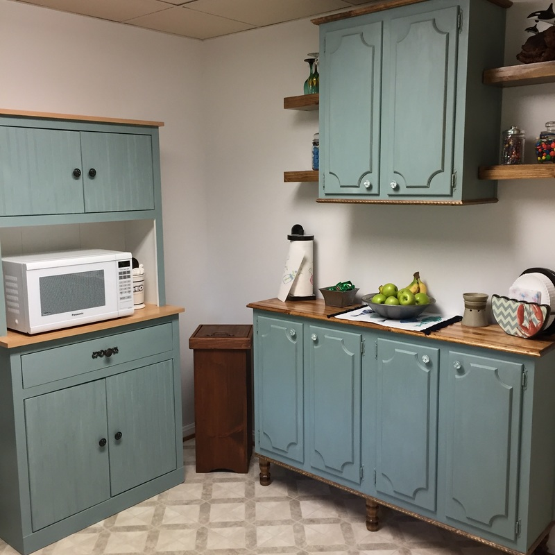 Kitchen makeover with chalk paint