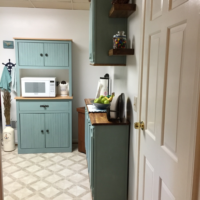 Kitchen makeover for small kitchens