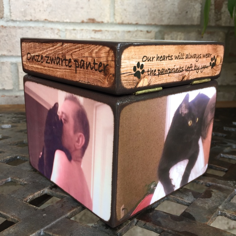 pet cremation urns and boxes