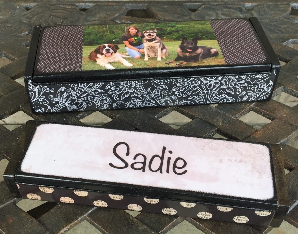 Personalized earring holder