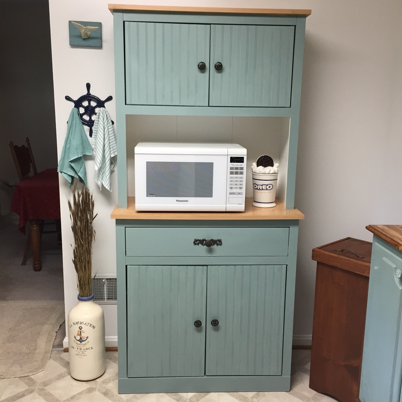 Small Kitchen makeovers on a budget with chalk paint
